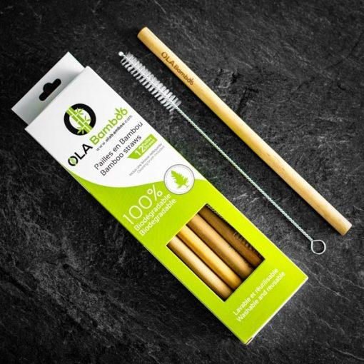 Pailles en bambou avec brosse nettoyante dans un emballage recyclable