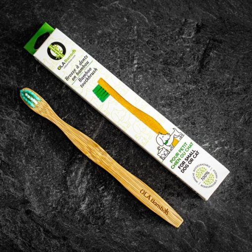 Bamboo toothbrush for big dog in recyclable packaging