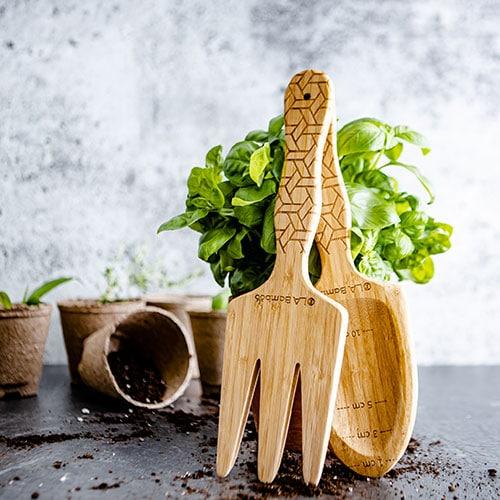 best garden tools - shovel and rake